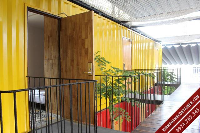 khách sạn container - khôn gian ngoài phòng ngủ