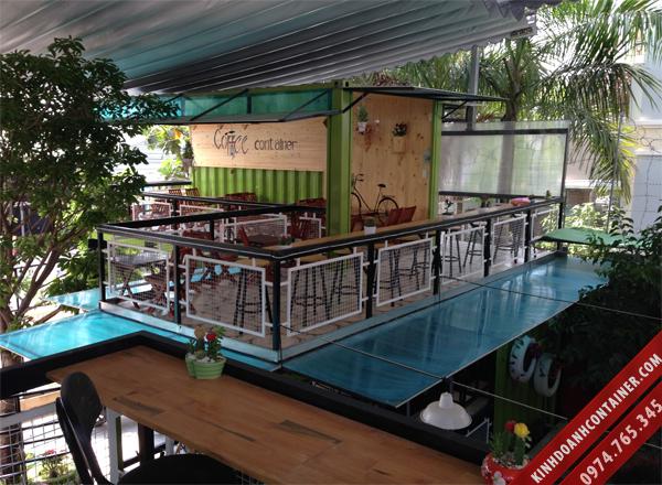 Quán cafe container được làm từ 11 container khô 20 feet